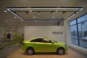 Световое каре Веста и прожекторы на шинопроводе Elpro Sono в соответствии с новым дизайном бренда ЛАДА